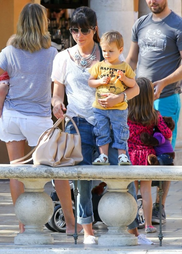 Selma Blair & Arthur Saint Go For Ice Cream 22