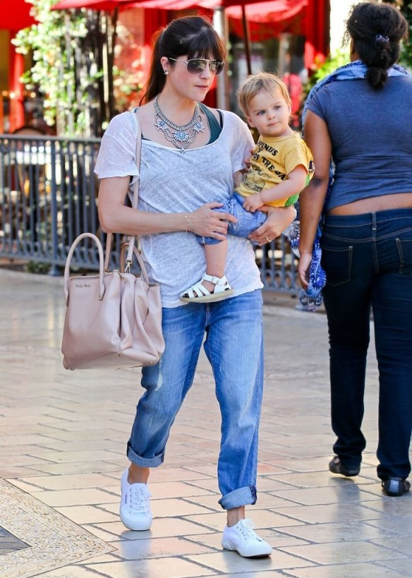 Selma Blair & Arthur Saint Go For Ice Cream 24