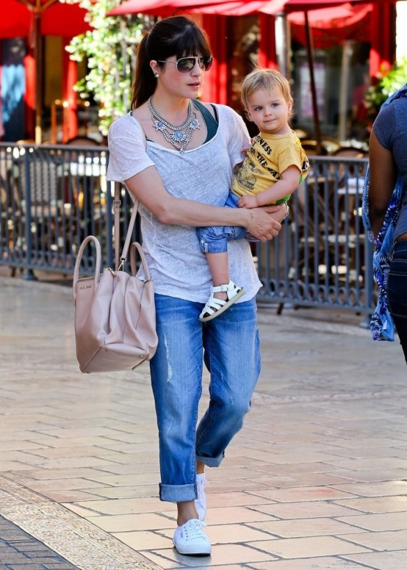 Selma Blair & Arthur Saint Go For Ice Cream 25
