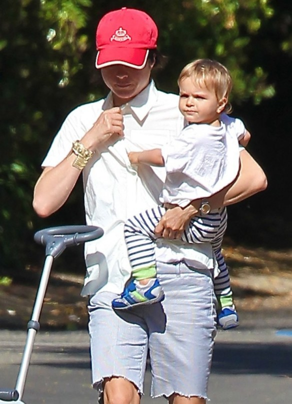 Selma Blair & Arthur Saint On Their Morning Walk 3