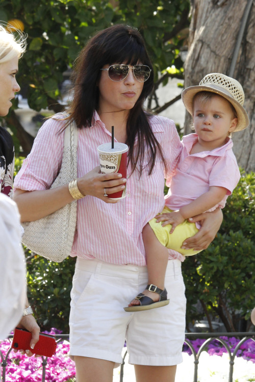 Selma Blair and Arthur do some shopping at The Grove **USA, Australia, New Zealand ONLY**