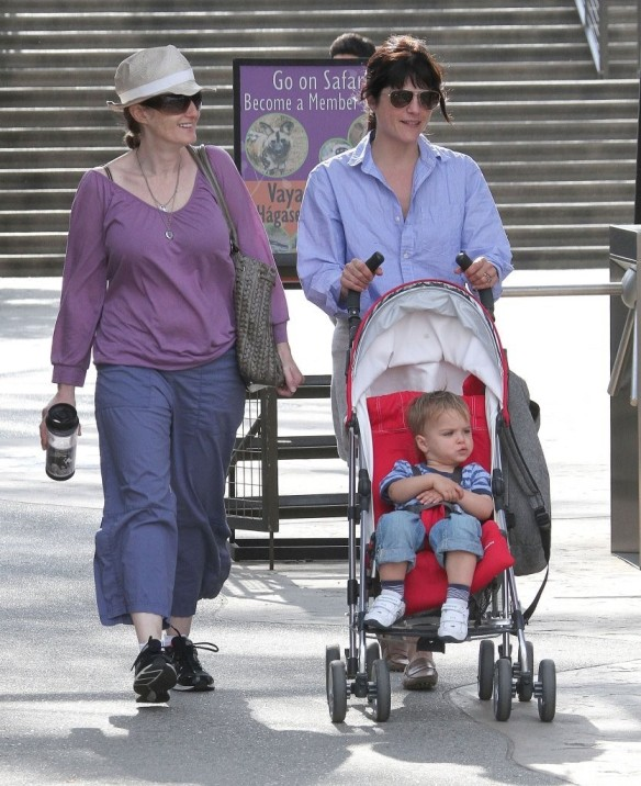 Selma Blair & Arthur Saint Visit The Zoo 12