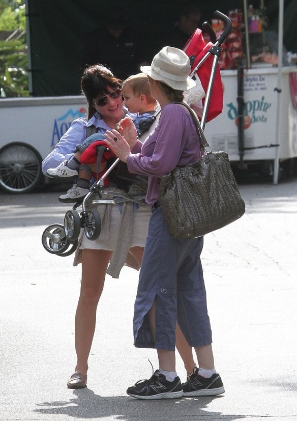 Selma Blair & Arthur Saint Visit The Zoo 14