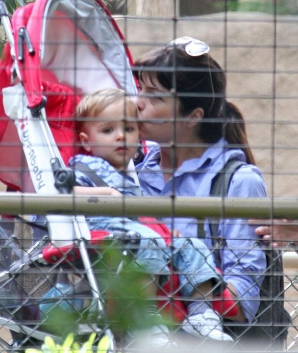 Selma Blair & Arthur Saint Visit The Zoo 15