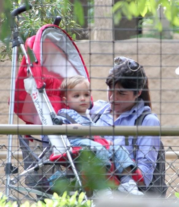 Selma Blair & Arthur Saint Visit The Zoo 17