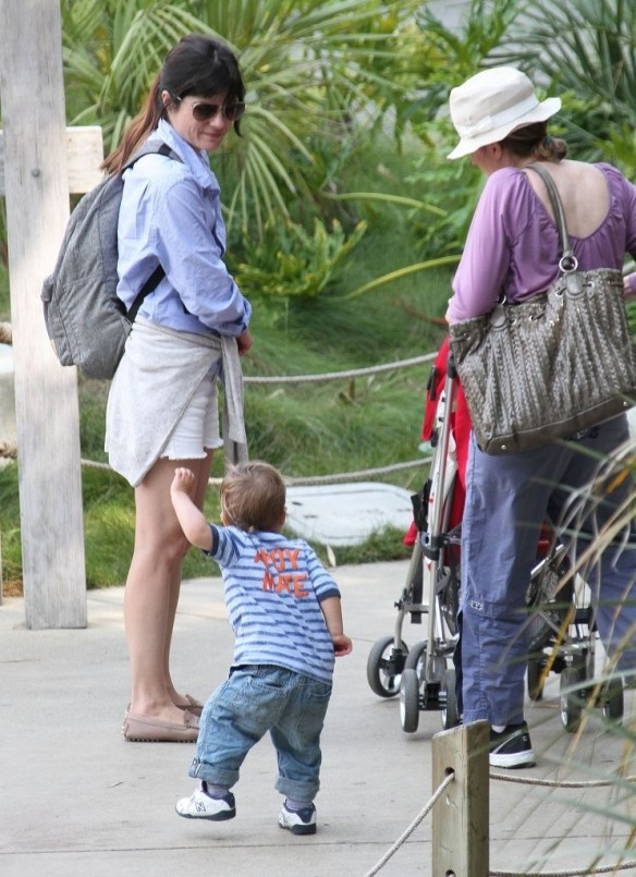 Selma Blair & Arthur Saint Visit The Zoo 18