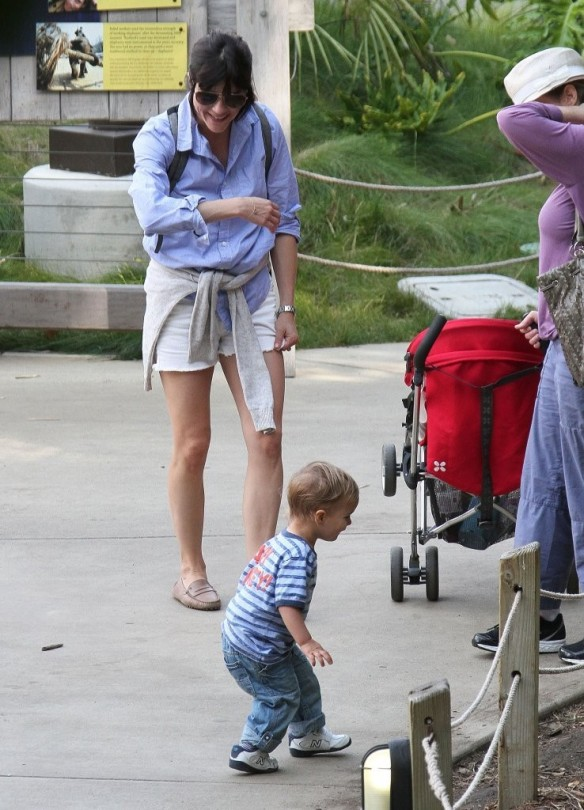 Selma Blair & Arthur Saint Visit The Zoo 19