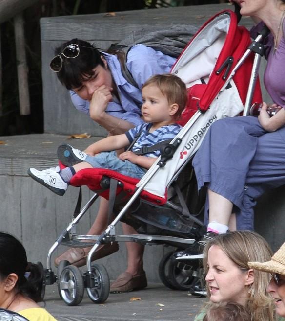 Selma Blair & Arthur Saint Visit The Zoo 21