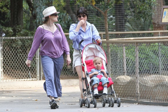 Selma Blair & Arthur Saint Visit The Zoo 3