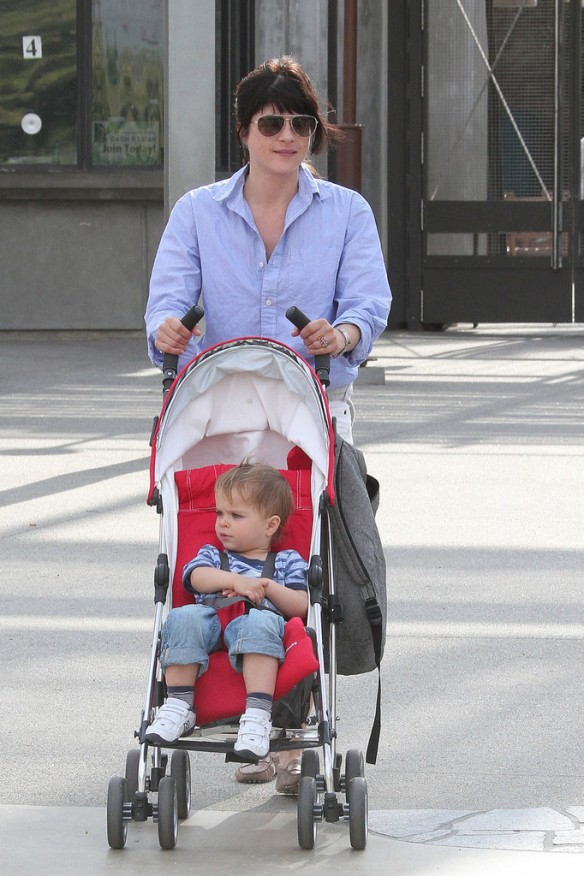 Selma Blair & Arthur Saint Visit The Zoo 8