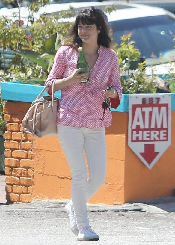 Selma Blair In Roberta Roller Rabbit Tunic 5