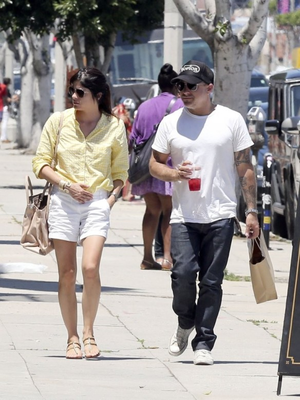 Selma Blair & Jason Bleick Grab Lunch In West Hollywood 5