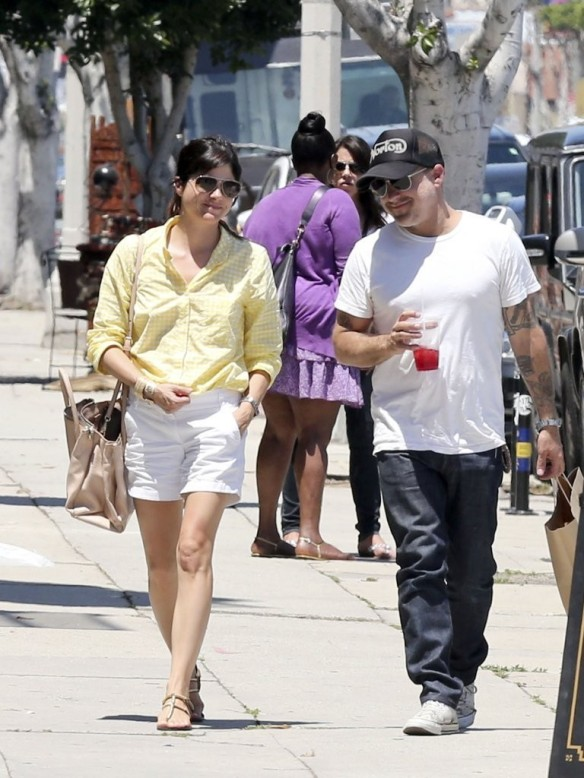 Selma Blair & Jason Bleick Grab Lunch In West Hollywood 7