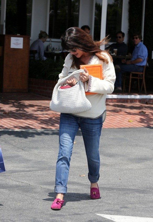 Selma Blair Leaving Freg Segal 3