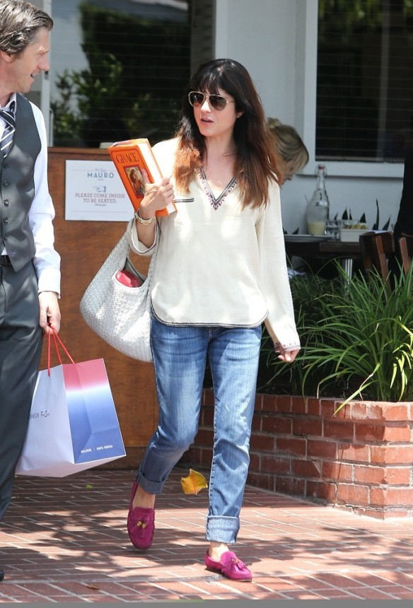 Selma Blair Leaving Freg Segal 7