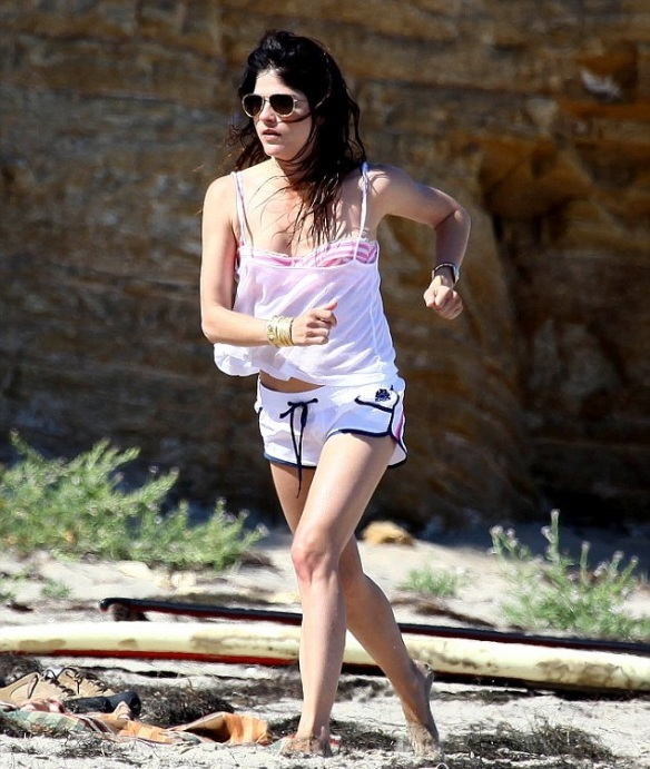 Selma Blair & Son Arthur Enjoy Mother's Day in Malibu 2