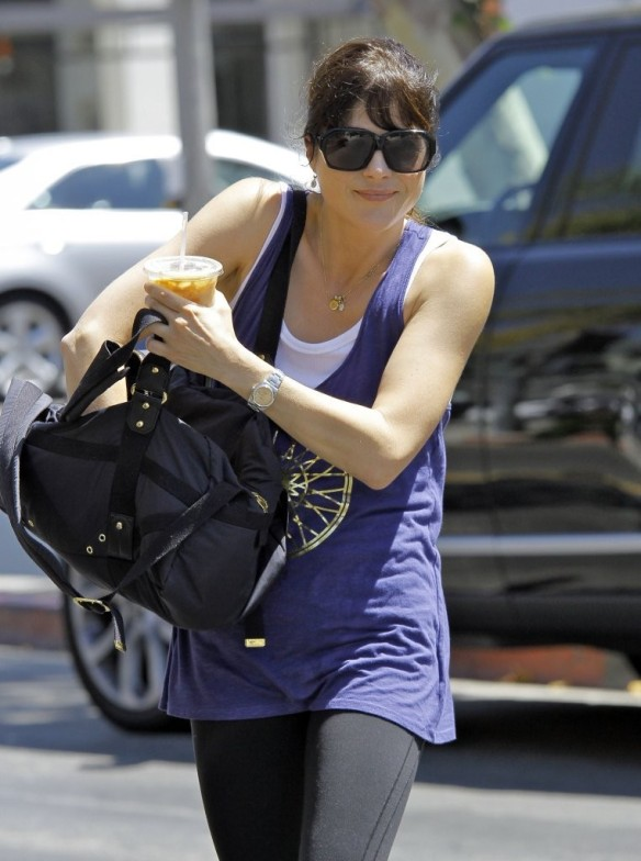 Selma Blair Iced Coffee To Go 1