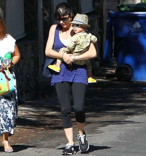 Selma Blair Iced Coffee To Go 6