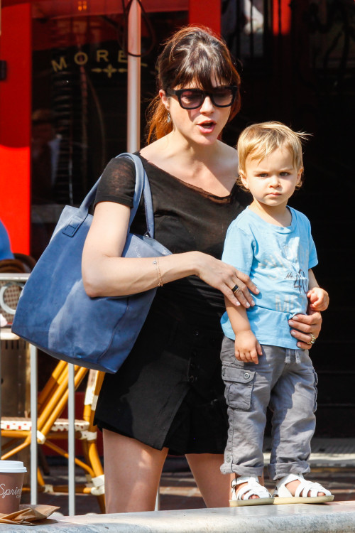 Selma Blair & Arthur Saint Spend The Afternoon At The Grove