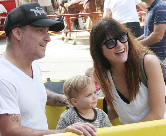 Selma Blair & Jason Bleick Take Arthur Saint To The Farmers Market 3