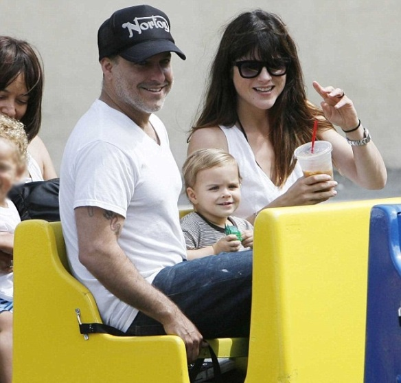 Selma Blair & Jason Bleick Take Arthur Saint To The Farmers Market 4