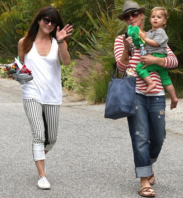 Selma Blair & Jason Bleick Take Arthur Saint To The Farmers Market