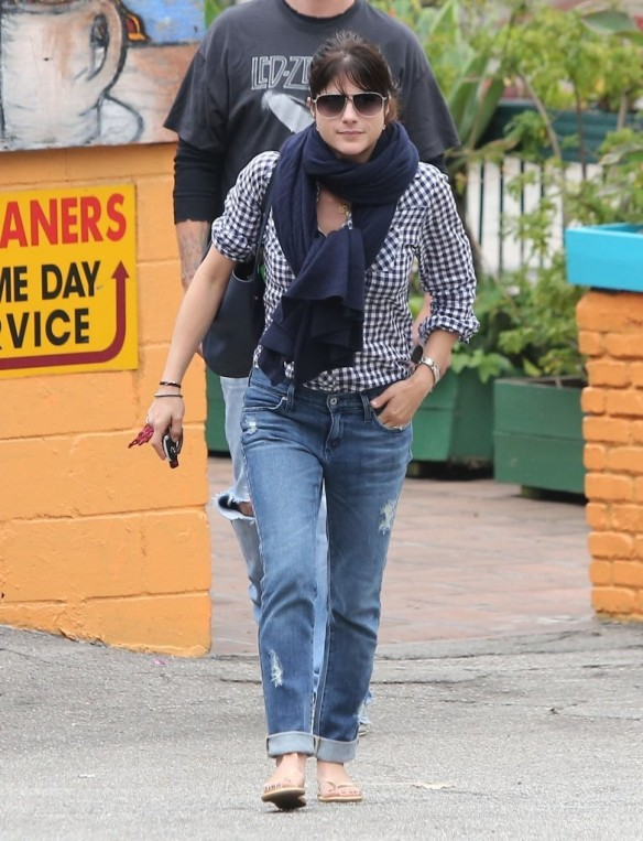Selma Blair Out For Breakfast 1