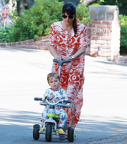 Selma Blair & Son Arthur Share A Morning Walk 3