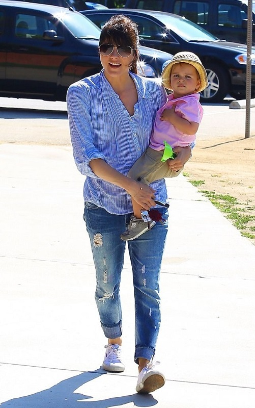 Selma Blair Spends Her Day With Baby Arthur 28