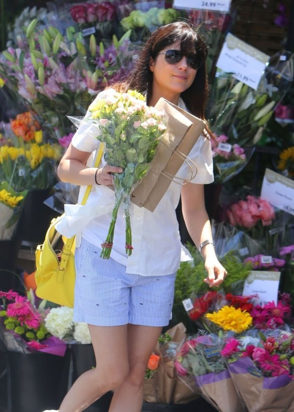 Selma Blair Stocks Up At Bristol Farms 10