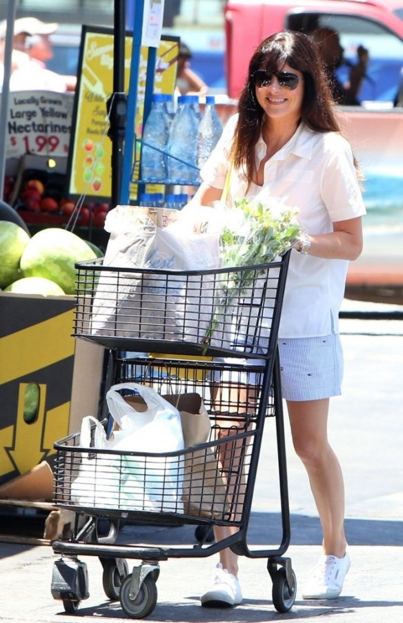 Selma Blair Stocks Up At Bristol Farms 7