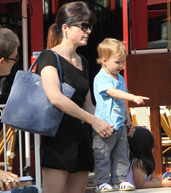 Selma Blair Takes Arthur To The Grove 1