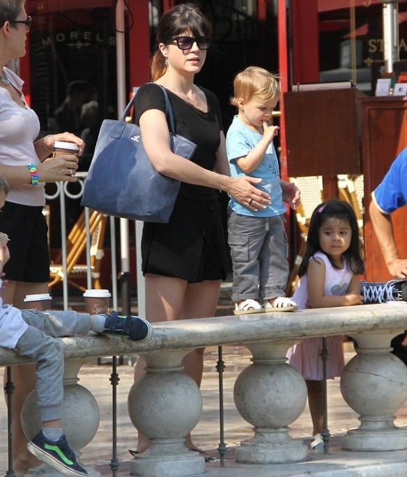 Selma Blair Takes Arthur To The Grove 2