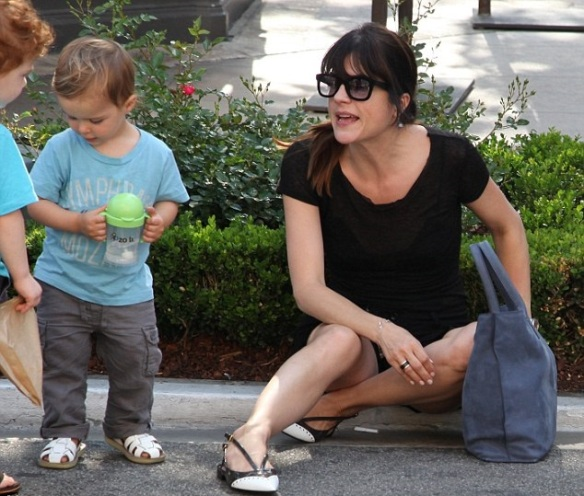 Selma Blair Takes Arthur To The Grove 6