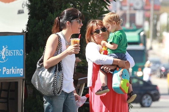 Selma Blair Takes Baby Arthur Out For Breakfast 3