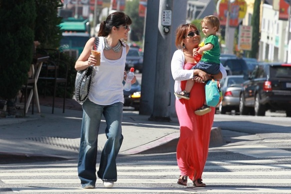 Selma Blair Takes Baby Arthur Out For Breakfast 4