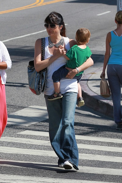 Selma Blair Takes Baby Arthur Out For Breakfast 8