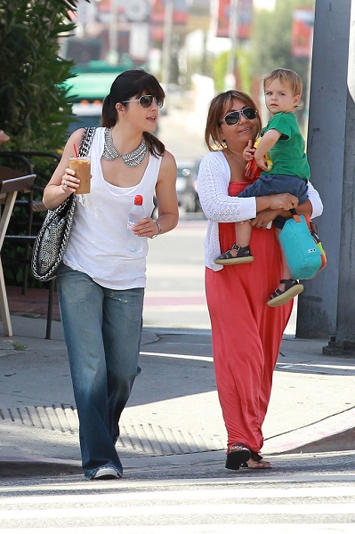 Selma Blair Takes Baby Arthur Out For Breakfast 9