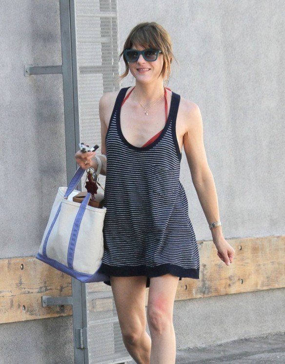Selma Blair Grocery Shopping In Studio City 1