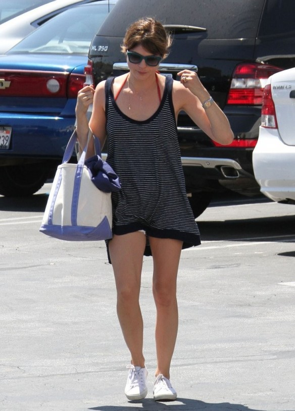Selma Blair Grocery Shopping In Studio City 2