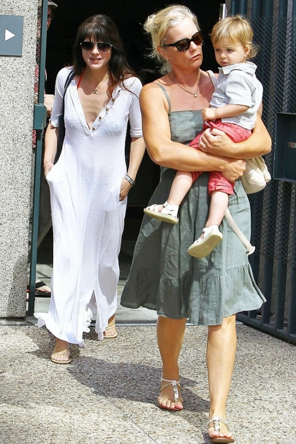 Selma Blair Is Beach Chic in Tanya Scheer 1