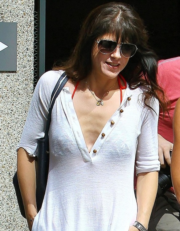 Selma Blair Is Beach Chic in Tanya Scheer 2