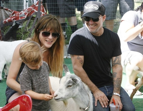 Selma Blair & Jason Bleick Take Little Arthur To The Petting Zoo 1