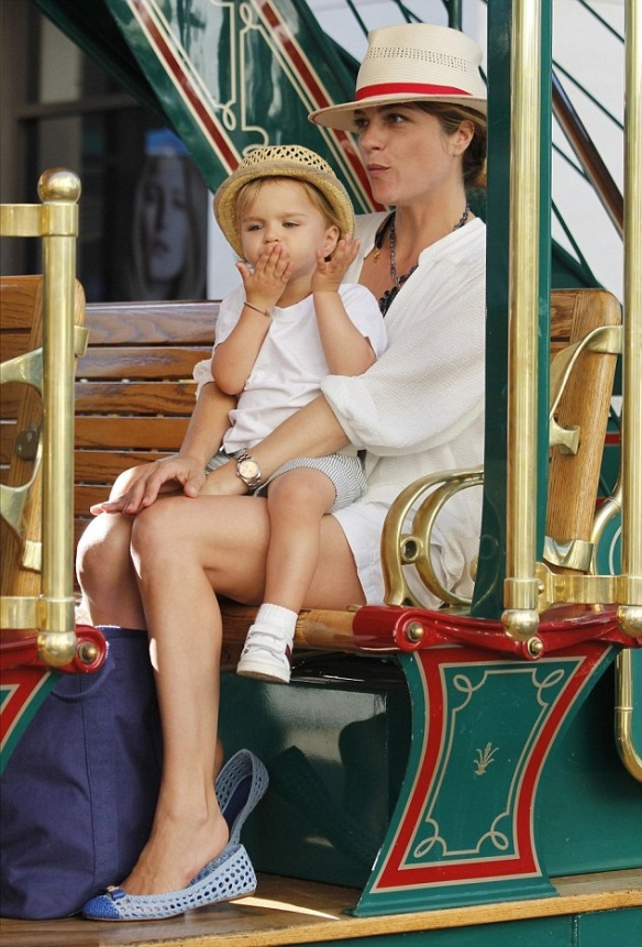 Selma Blair & Arthur Saint RidingTrolley At The Grove 1