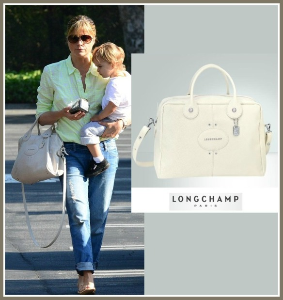 selma-blair-carrying-longchamp-quadri-bag
