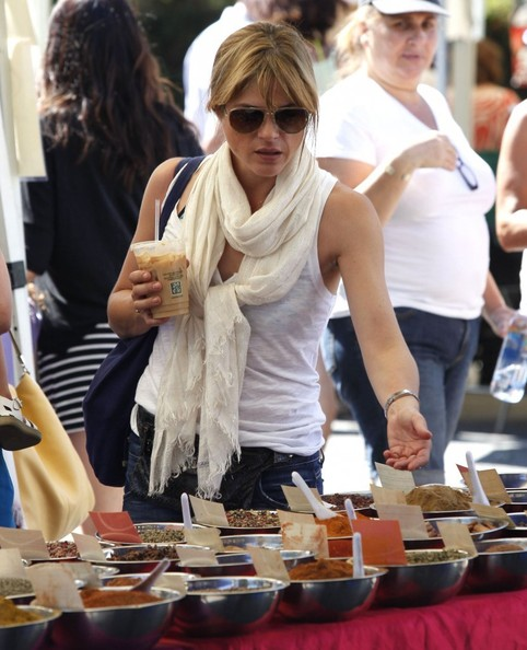 Selma Blair & Son Arthur Stop For Drinks 6