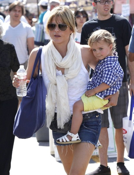 Selma Blair & Son Arthur Stop For Drinks 7