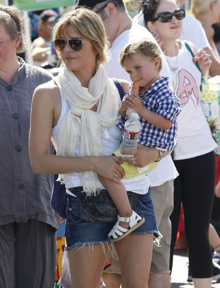 Selma Blair & Son Arthur Stop For Drinks 8