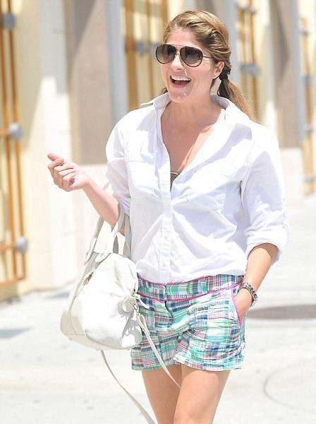 Selma Blair Wearing Adorable Vinyard Vines Patchwork Short Shorts 2