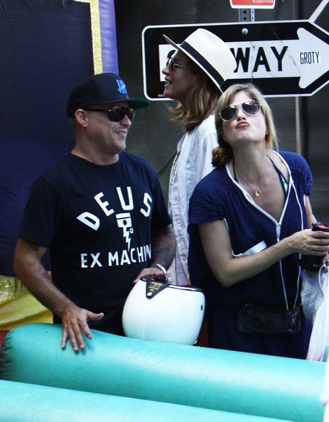 Selma Blair & Arthur Saint Farmers Market Fun With Daddy 1